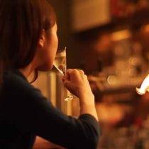アルコール飲酒と勃起の関係とは?中折れ対策法も!